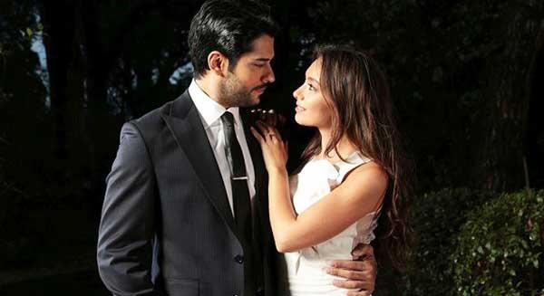 Бурак Озчивит и Неслихан Атагюль в сериале Чёрная любовь.