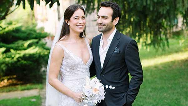 Бугра Гюльсой с женой Нилюфер Гюрбюз