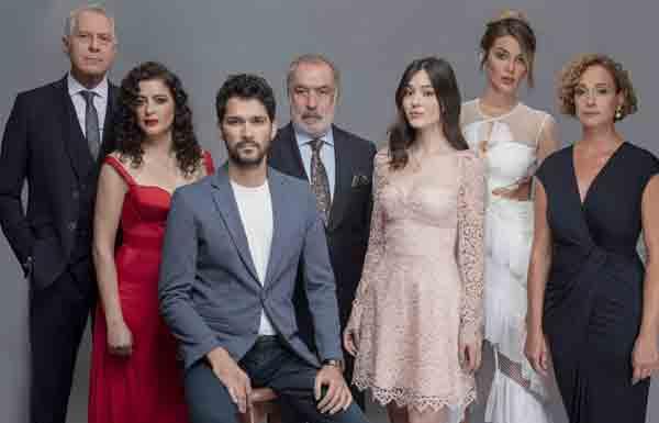 Турецкий сериал Сломанные жизни / Kirik Hayatlar (2021)